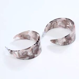 Jewelry - 🆕 Acrylic Resin Hoop Earrings Pearly Rose Gray